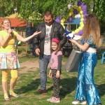 """Ден на Земята съвместно с родителите на децата от ДГ,, Едгар Бороу"""". Благодарим Ви за засадените цветя!"""
