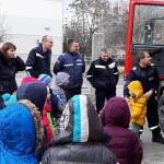"""Пожарникари гостуваха на малчуганите от ДГ """"Д-р Едгар Бороу"""""""